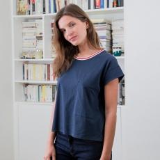 La ines navyblue - Navyblue t-shirt with a pocket